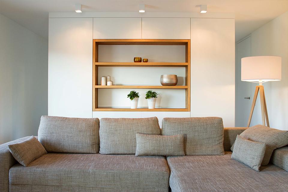 Unsere Massivholz Schreinerei ist Partner für Architekten. Schwerpunkt Ausbau, Küchen, Türen, Treppen.